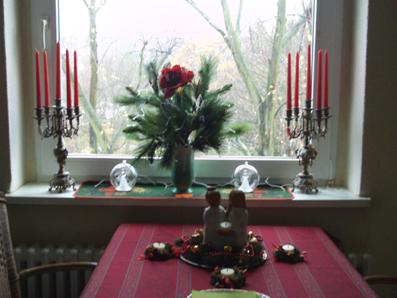 dekorieren mit blumen gartenelfe