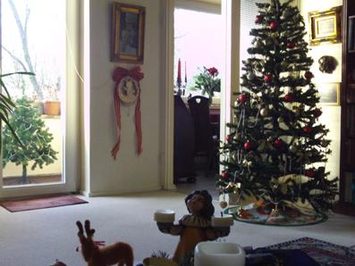 Weihnachtsdeko mit weihnachtsbaum gartenelfe - Leuchtende weihnachtsdeko ...