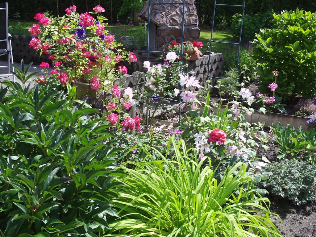 Garten dekoration rosen rankhilfe gartenelfe - Dekoration garten ...
